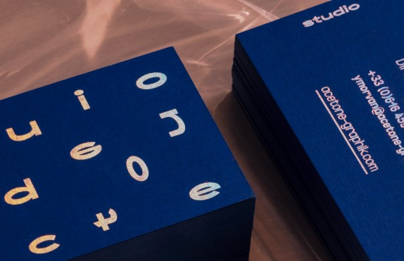 CURIOUS BLUE CARD